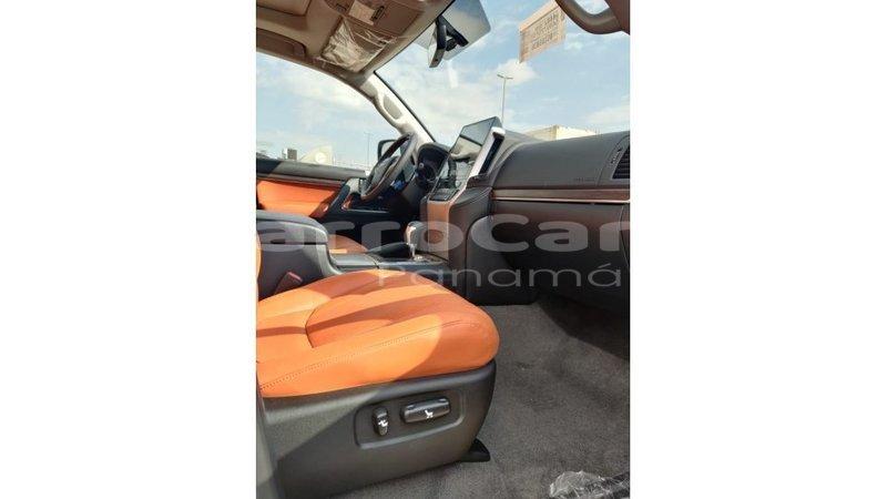 Big with watermark toyota land cruiser chiriqui import dubai 4269