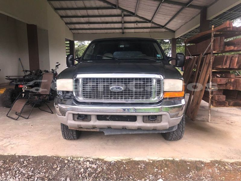 Big with watermark ford excursion chiriqui david 6352